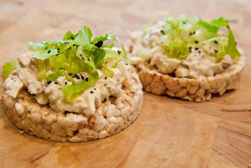tortitas-de-arroz con atún